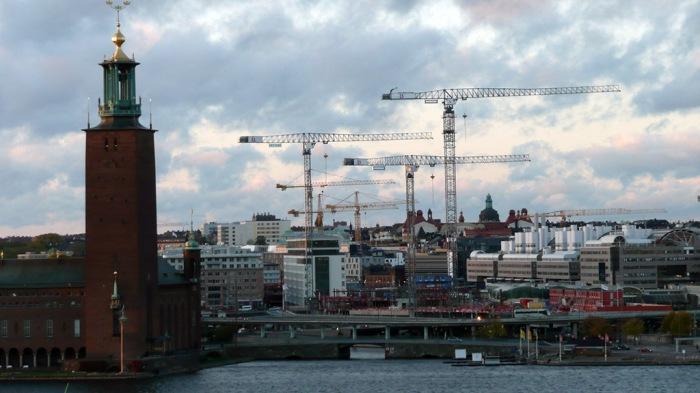 Estocolmo Ayto con gruas
